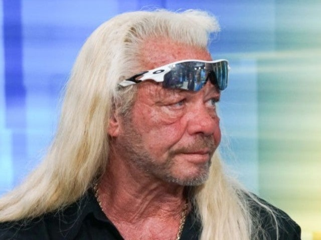 'Dog the Bounty Hunter' Duane Chapman Seemingly Proposes to Moon Angell in 'Dr. Oz' Clip
