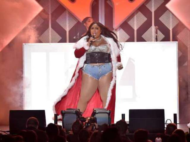 Lizzo's Latest 'Thankful' Tweet Brings in Intense Reactions, Fans Chime in