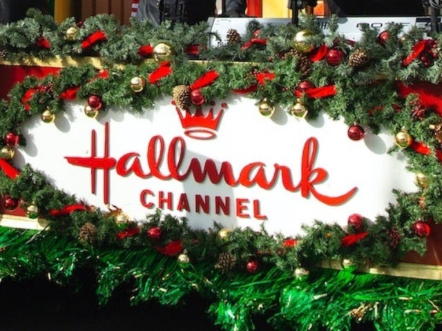 Hallmark Reveals 2020 'Countdown to Christmas' Schedule