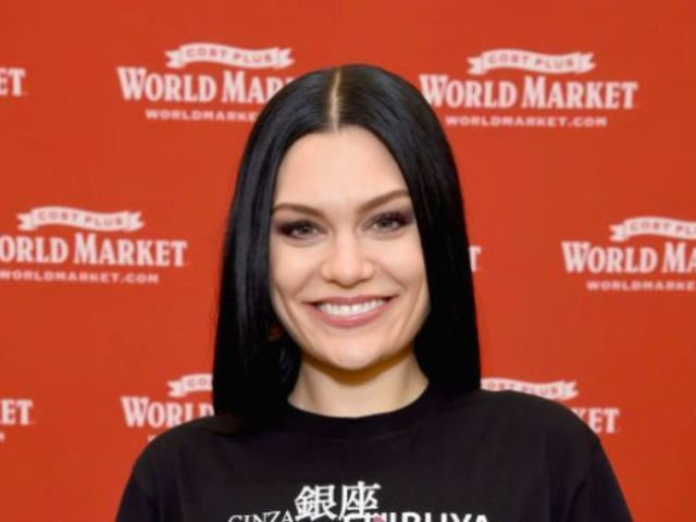 Jessie J Hospitalized After Waking up Unable to Walk or Hear