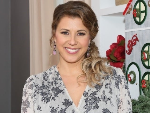 Jodie Sweetin Mourns Death of 'Fuller House' Dog Cosmo: 'Say Hello to Comet for Me'