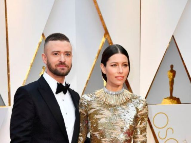 Justin Timberlake Shares 'Social Distancing' Photo With Jessica Biel Amid Coronavirus Quarantine