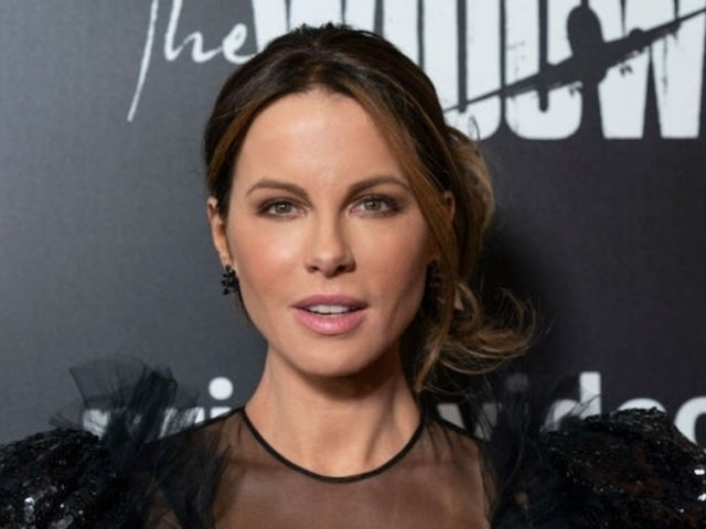 Kate Beckinsale Compares Herself Eating Chocolate to 'Someone Else Taking Cocaine'