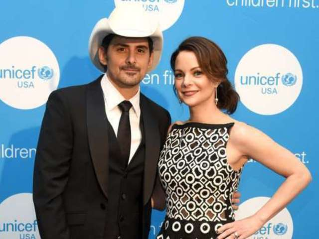 Brad Paisley's Wife Kimberly Williams-Paisley Fawns Over Tim McGraw in Hilarious Clip From His Special