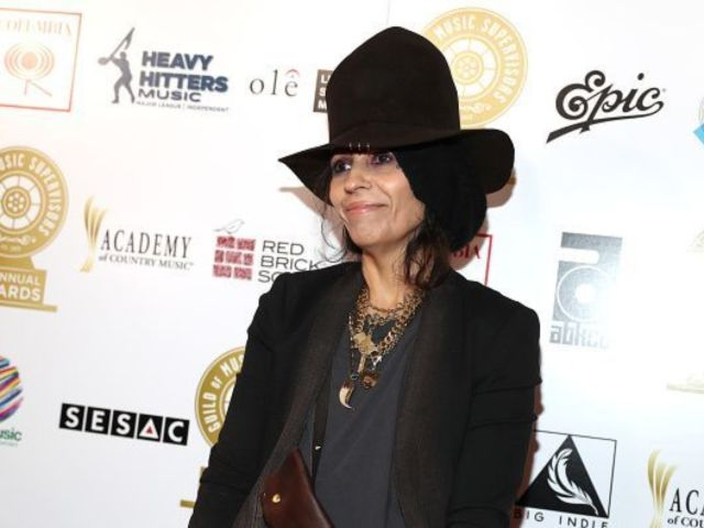 Linda Perry: What Is the Singer and Songwriter's Net Worth