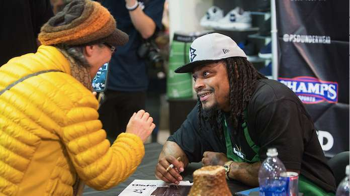 Marshawn-Lynch-Christmas-Miracle