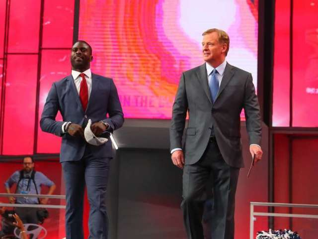 NFL Commissioner Roger Goodell Says Michael Vick Will Be Honored at Pro Bowl Despite Backlash