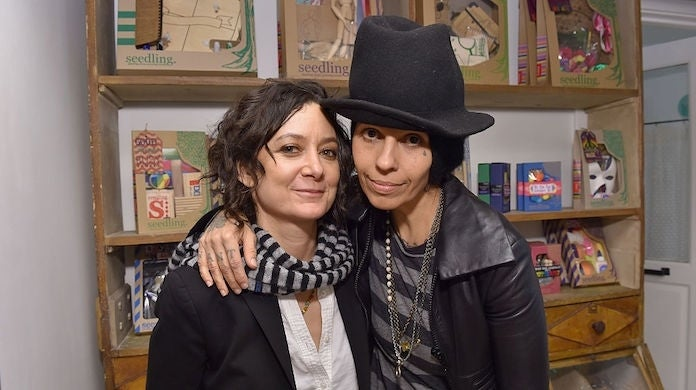 sara-gilbert-linda-perry_getty-Mike Windle : Staff