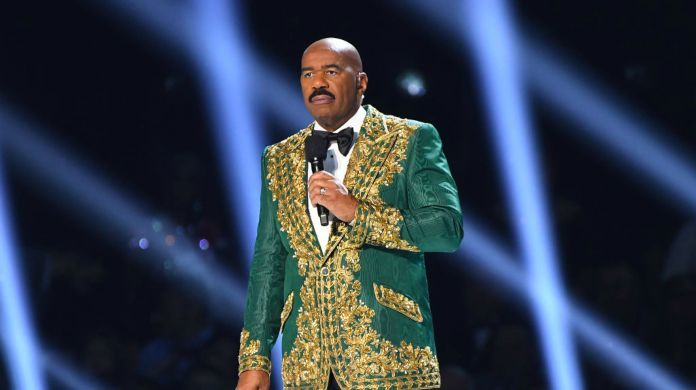 steve-harvey-2019-miss-universe-pageant