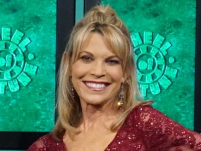 'Wheel of Fortune' Hostess Vanna White Honors WWII Veteran's Wish With New Photo From Game Show Set