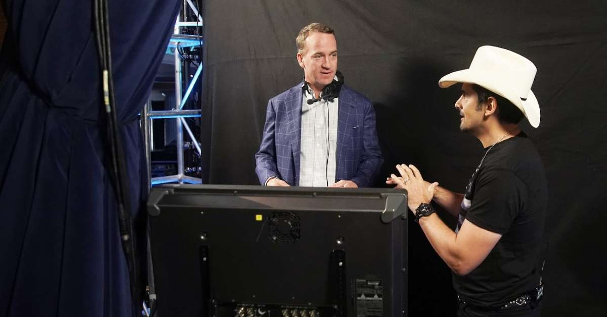 Watch Peyton Manning Cut up With Tim McGraw on Brad Paisley's ABC Special