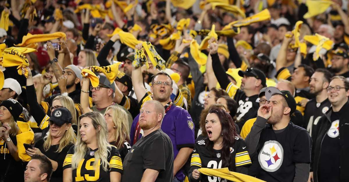 Watch Pittsburgh Steelers Fans Completely Take Over Arizona Cardinals Home Stadium
