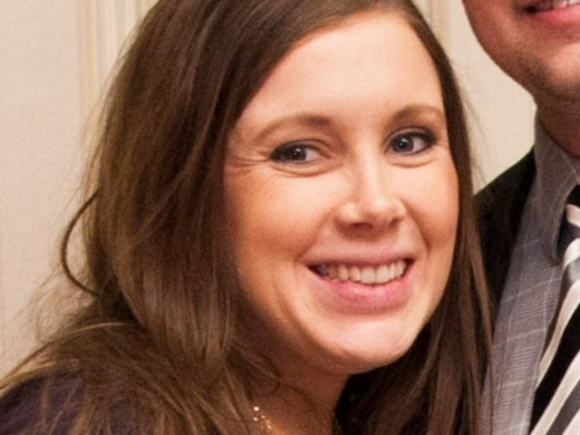 'Counting On' Fans Slam Anna Duggar Over Family Photo: 'Take Care of Your Own Baby'