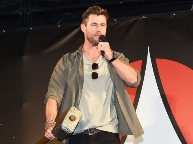 Chris Hemsworth Wins Fantasy Football League With 'Avengers' Co-Stars
