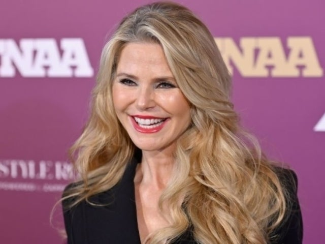 Christie Brinkley Rocks New Silver Hair