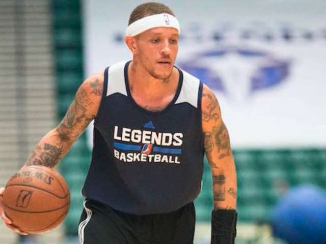 Officer Suspended for Filming Ex-NBA Player Delonte West in Handcuffs
