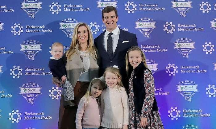 eli-manning-abby-mcgrew-family-kids-giants-retirement-announcement (1)