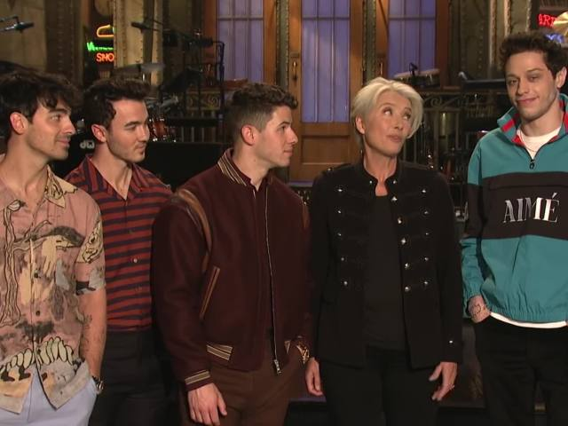Emma Thompson Gets the Best Mother's Day Gift - SNL Promo