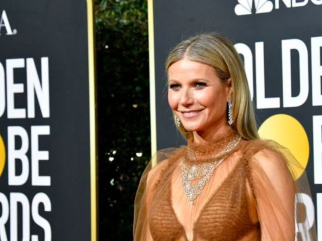 Gwyneth Paltrow Has Fans Talking After Revealing Golden Globes Pic From the Backseat of Her Car