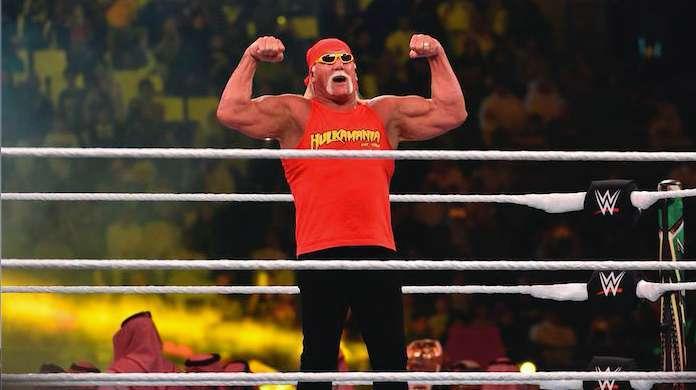 Hulk-Hogan-Gym-Selfie