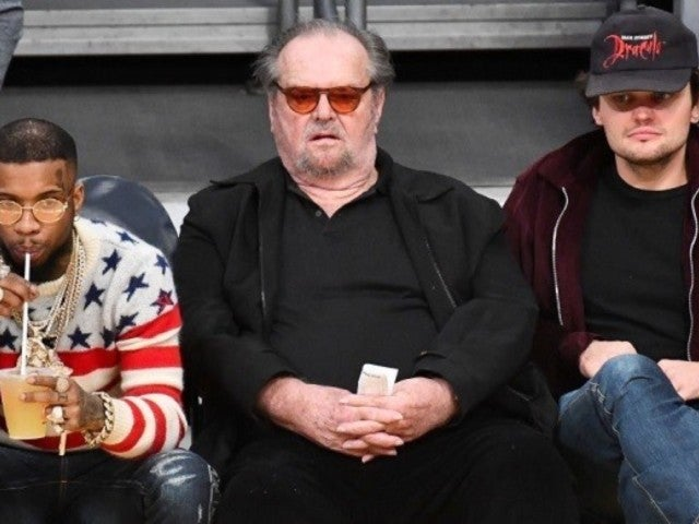 Jack Nicholson Resurfaces for Rare Appearance at Lakers Game