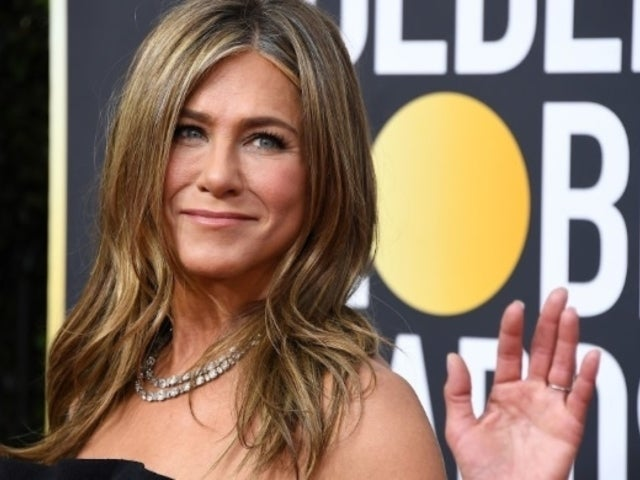 Critics' Choice Awards 2020: Jennifer Aniston Skips to Hang With 'Friends' Co-Stars Courteney Cox and Lisa Kudrow