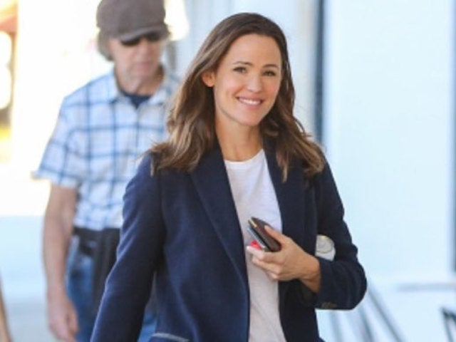 Jennifer Garner Reveals Elementary School Throwback Wearing a Homemade Christmas Outfit