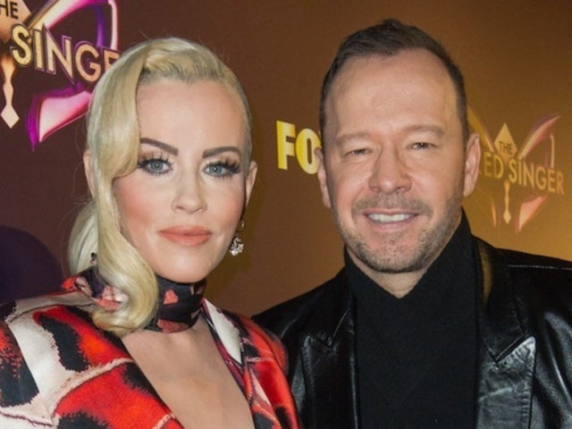 Jenny McCarthy Shares New Year's Selfie With 'Blue Bloods' Husband Donnie Wahlberg Following 'Rockin' Eve' Exit