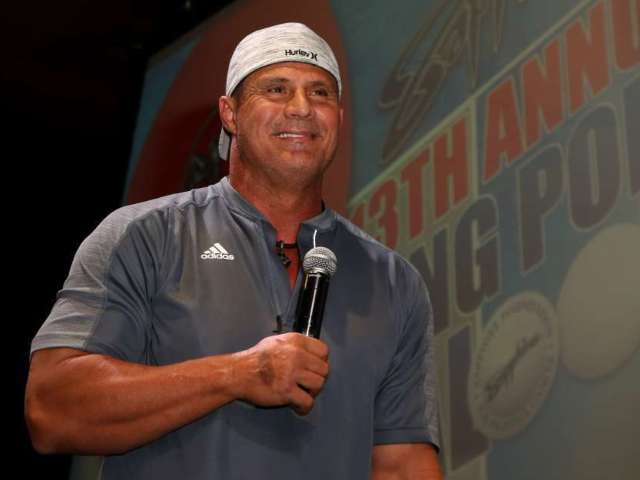 Watch Jose Canseco Rip Fan at Top Golf
