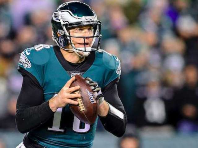 Eagles QB Josh McCown Played With Torn Hamstring Against Seahawks, Reportedly Undergoing Surgery