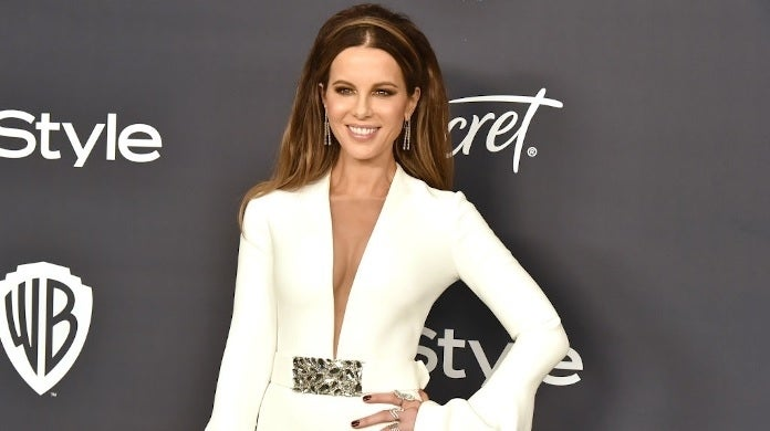kate beckinsale golden globes getty images