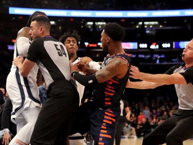 Knicks and Grizzlies Break out in Fight at the End of Game