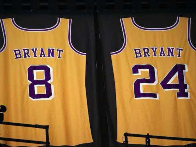 Kobe Bryant Dead: Lakers Star's Jersey Lights up Inside Rafters at Staples Center Ahead of Grammys