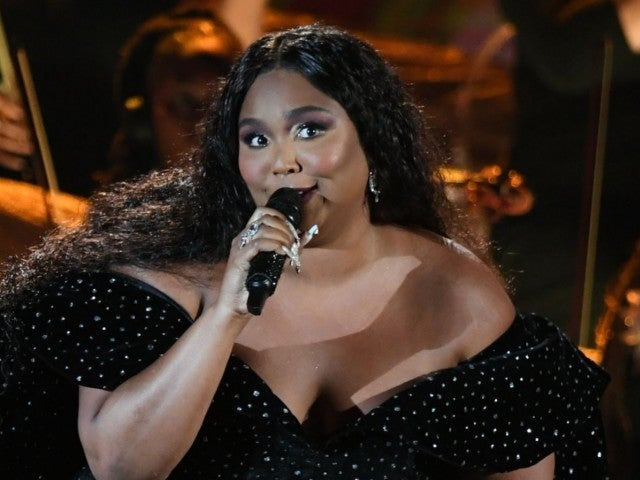 Grammys 2020: Lizzo Opens up Awards With Tribute to Kobe Bryant