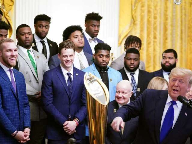 LSU Tigers Visit Donald Trump, White House and Fans Are Asking If They Were Served Fast Food