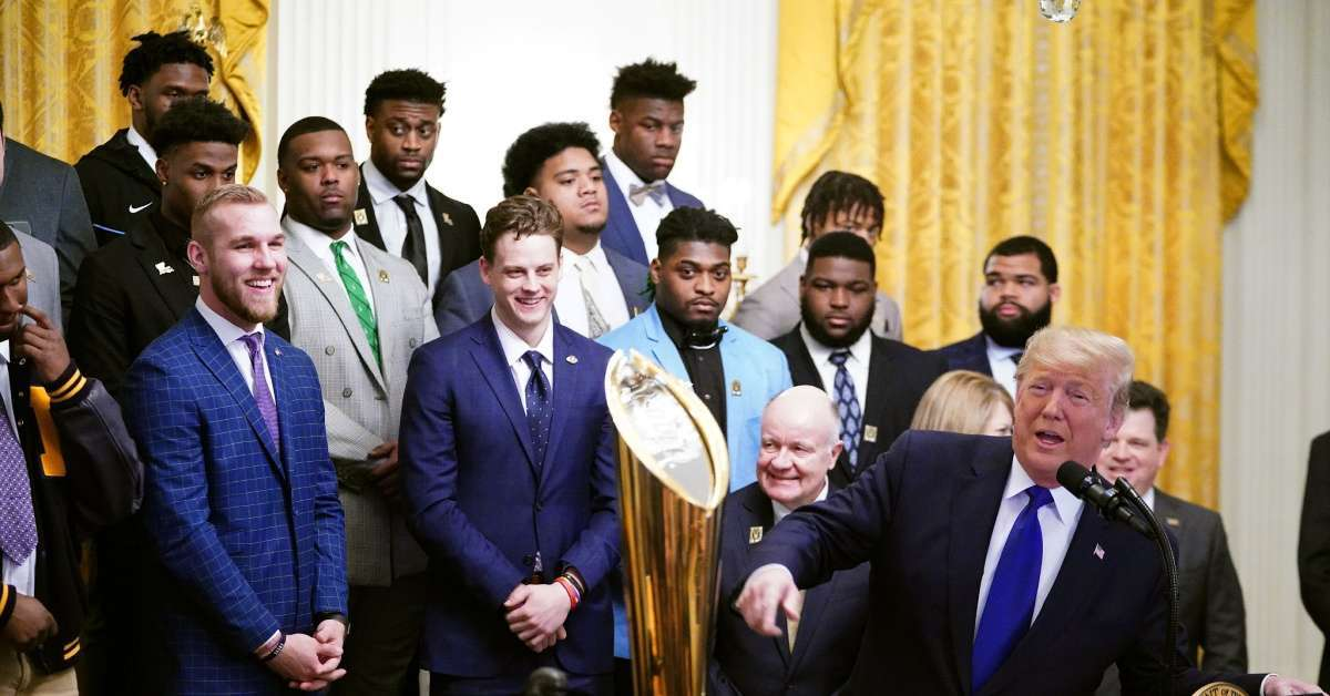 LSU Tigers visit Donald Tump White house fans asking fast food