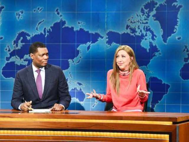 'SNL' Star Michael Che Reveals His Super Bowl, Royal Rumble Predictions