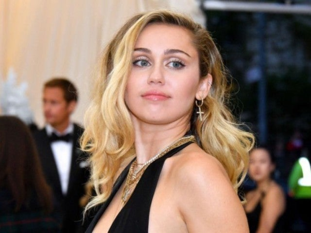 Miley Cyrus Collaborates With MAC Cosmetics for $10M Donation to 250 Organizations Amid Coronavirus Pandemic
