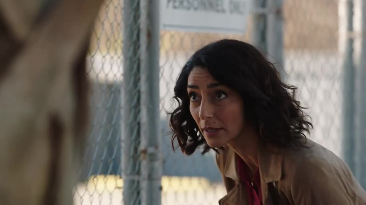 NCIS: New Orleans - Crab Mentality (Sneak Peek 1) screen capture