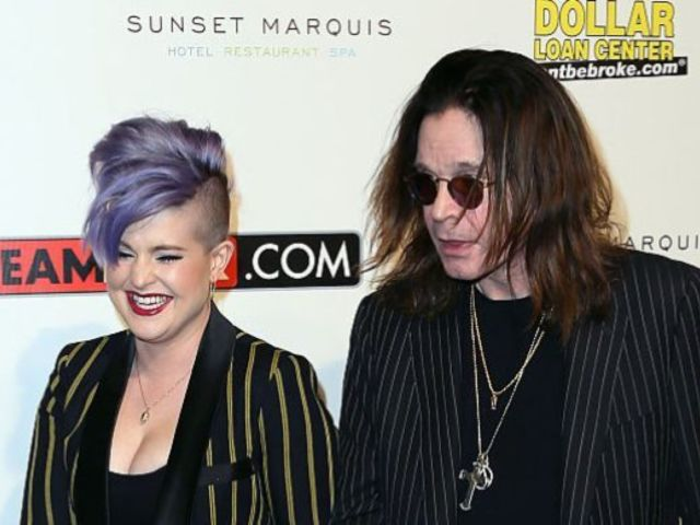 Kelly Osbourne Reveals Family Wasn't Sure If Ozzy Osbourne 'Would Ever Walk Again' Amid His Parkinson's Diagnosis