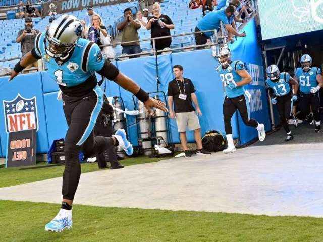 Panthers Players Respond to QB Cam Newton Leaving Due to Health Concerns