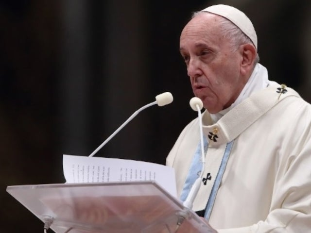 Pope Francis Apologizes After Slapping Woman's Hand During New Year's Eve Service