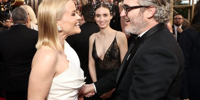 reese-witherspoon-joaquin-phoenix-golden-globes