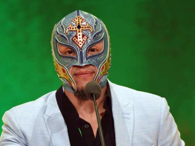 WWE: Rey Mysterio Pays Tribute to Eddie Guerrero With 'Latino Heat' Christmas Sweater