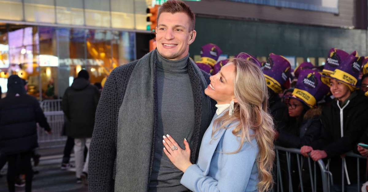 Rob Gronkowski Camille Kostek New Year's Day kiss Times Square