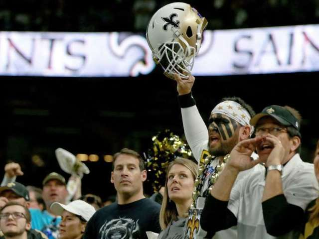 Saints Fans Throw Trash at Referees After Playoff Loss to Vikings