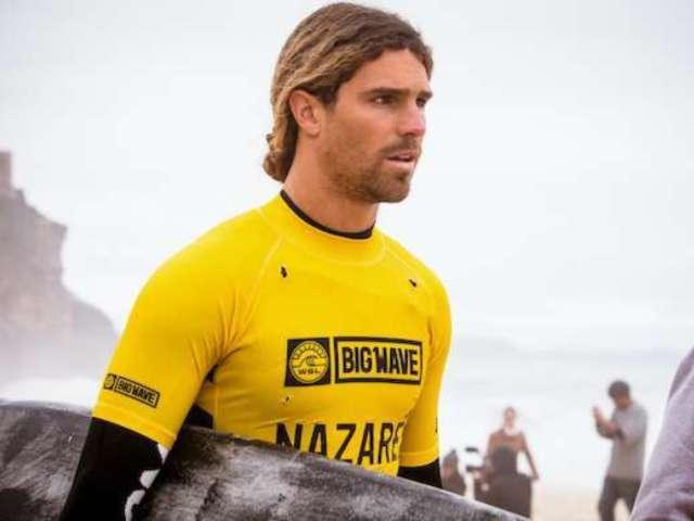 Surfer Alex Botelho Hospitalized After Brutal Wipeout