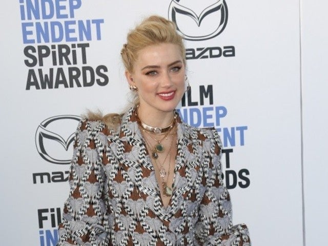 Amber Heard Shrugs off Johnny Depp Controversy, Heads to Film Independent Spirit Awards