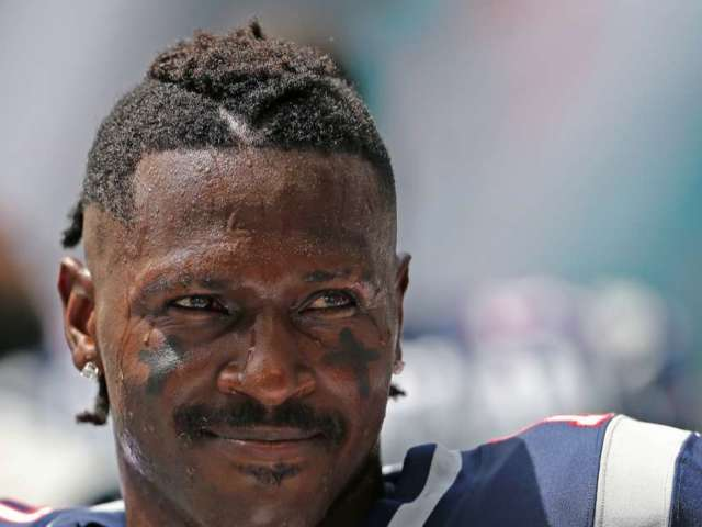 Antonio Brown and Ex Chelsie Kyriss Seemingly Reconcile, Party Together After Super Bowl