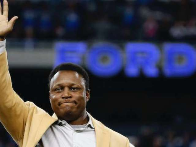 Super Bowl 2020: Barry Sanders Fans Spotted Tie Blunder, and the Reactions Pour In